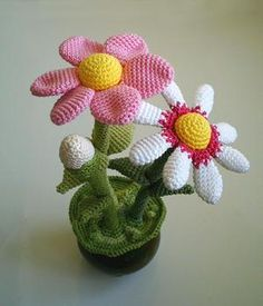 FLOWER POT AMIGURUMI  ...  free crochet pattern download