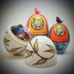 Ovos de Páscoa pintados a mão. www.lojapvmw.com #ovo #pascoa #ovodepascoa #matryoshka