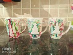 Looking for a last minute gift to give the grandparents this Christmas? Try these adorable mugs! Diy Christmas Mugs, Student Christmas Gifts, Toddler Christmas Gifts, Preschool Christmas, Toddler Gifts, Christmas Ideas, Christmas Dishes, Toddler Fun, Student Gifts
