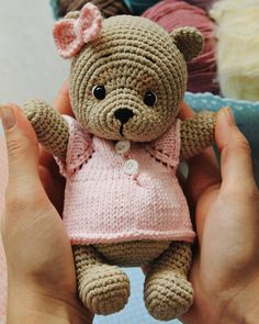 In this article we will share free amigurumi teddy bear crochet patterns. On our site you can find everything you are looking for about amigurumi. Bunny Crochet, Crochet Teddy Bear Pattern, Crochet Animal Amigurumi, Crochet Baby Toys, Crochet Animal Patterns, Stuffed Animal Patterns, Amigurumi Doll, Crochet Dolls, Amigurumi Patterns