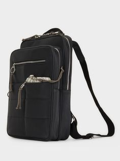 Mochila Com Bolsos Exteriores, Preto Backpacks, Fashion, Black, Handbags, Moda, Women's Backpack, Fasion, Backpack