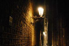 Al fondo escaleras de la catedral