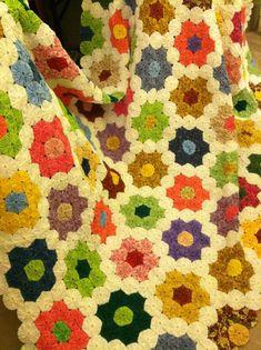 YoYo Quilt, granny flower