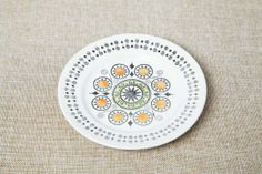 Broadhurst Renaissance pattern side plate designed by Kathie Winkle. Circa 1970. #kathiewinkle #broadhurst #renaissance #1970s #britishvintage #vintage #retro #midcenturyceramics #vintageceramics