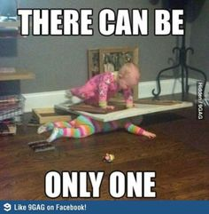 Everyone loves baby memes because they are the perfect combination of funny and cute. Here are 16 hilarious baby memes that you are guaranteed to love. I Love To Laugh, Make You Smile, Funny Pins, Funny Memes, Funny Stuff, Hilarious Jokes, Kid Memes, Funny Fnaf, Hilarious Photos