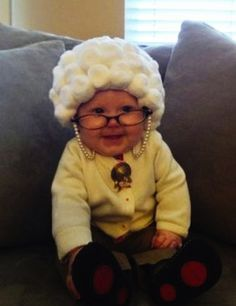 #DIY old lady #Halloween costume for baby!
