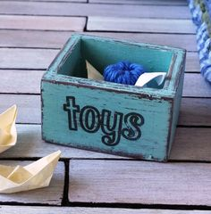 Dollhouse Miniature wooden crate toy crate by DewdropMinis Nursery Accessories, Garden Accessories, Toy Labels, Dollhouse Accessories, New Pins, Dollhouse Furniture, Vintage Dolls, Dollhouse Miniatures, Toy Chest