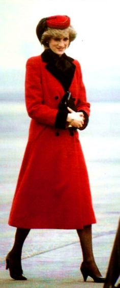 Princess Diana (of Wales) in RED-&-BLACK _____________________________ Reposted by Dr. Veronica Lee, DNP (Depew/Buffalo, NY, US)