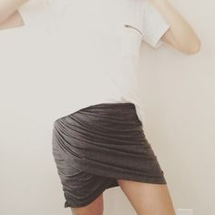 Trash To Couture: DIY ruched skirt from tshirt.