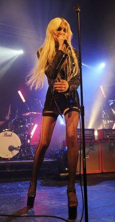 69 Ideas for music box aesthetic dark Taylor Momsen Style, Taylor Michel Momsen, Taylor Momson, Taylor Swift, Gossip Girl, Rock & Pop, Rock Roll, Spy Girl, Women Of Rock