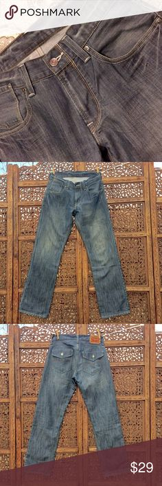🎉2DSALE🎉Levi's 514 excellent condition gray/blue Levi's 514 quality denim in good condition. Blue with some sort of grayish hue. Special design back pocket, see please picture.  Thank you for visiting my closet, please come back, I'll be posting more!🌸 Levi's Jeans Straight Leg