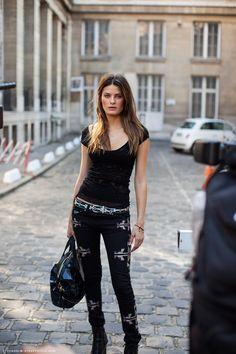 Isabeli Fontana - Carolines Mode   StockholmStreetStyle