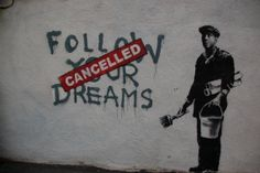 Banksy is a pseudonymous United Kingdom-based graffiti artist, political activist, film director, and painter. His satirical street art and subversive epigrams combine dark humour with graffiti executed in a distinctive stencilling technique Banksy Graffiti, Street Art Banksy, Wie Zeichnet Man Graffiti, Street Art Utopia, Bansky, Graffiti Artwork, Graffiti Drawing, Banksy Canvas, Graffiti Artists