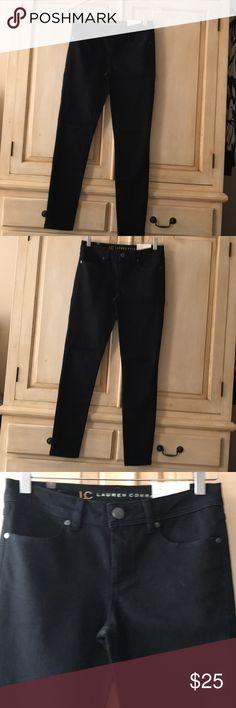 """LC Lauren Conrad Black jogging-size 4-New Tags Lauren Conrad Black jegging Jeans- size 4 and new with tags. Approximate measurement across waist is 14.5"""", across hips is 16.5"""" and stretches to 18.5"""", with inseam of 28.5"""" LC Lauren Conrad Pants Skinny"""