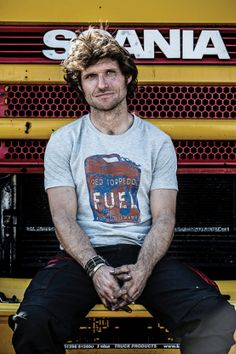 "Motorcycle News ""Guy Martin And Triumph Motorcycles Go For The Salt Record At Utah"" - Faster than a seagull nicking your chips! Triumph Rocket, Guy Martin, Motorcycle News, People Videos, Ideal Man, Isle Of Man, Triumph Motorcycles, Big Guys, Biker Style"