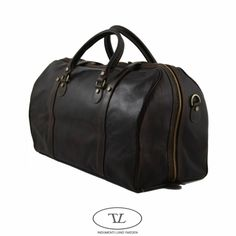Weekend travel bags for men.  A glove tanned retro Men