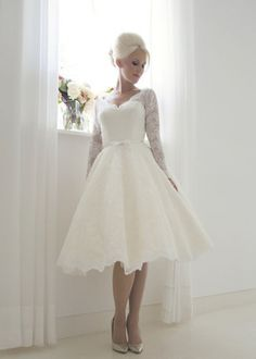 Details about Short Vintage Lace Wedding Dress Bridal Ball Gown Tea Length Custom  Size 4-26+ a4ac9dc70b94