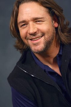 Russell Crowe. I love that he's been spending so much time in Canada lately, acting on Republic of Doyle and recording with Alan Doyle.
