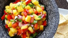 Fast & Fresh Pineapple Salsa Sweet meets spicy for a tropical-tasting salsa that packs a tasty punch. Make it even easier by using pre-cut fresh pineapple. Chutneys, Appetizer Dips, Appetizer Recipes, Fresh Pineapple Salsa Recipe, Pineapple Salad, Best Salsa Recipe, Fruit Salsa, Spicy Salsa, Cooking Recipes