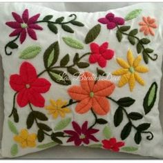 Image result for karam hecho a mano Embroidery Needles, Crewel Embroidery, Embroidery Designs, Bordado Floral, Mexican Embroidery, Applique, Cross Stitch, Crochet Hats, Throw Pillows