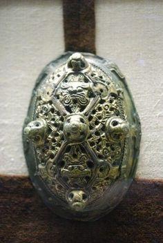 The Vikings of Bjornstad :: Viking Museum Haithabu Schleswig, Germany - 2009 Beautifully designed and cast tortoise brooch.