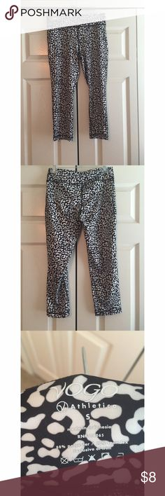 Super Cute! Vogo leopard print leggings in excellent condition. has loose thread near the crotch (picture is posted). comes from a smoke free, pet friendly home! NO TRADES🚫 all sales final :-) Vogo Pants Leggings