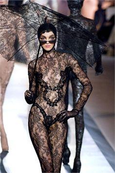 Jean Paul Gaultier FW 2003/04 Haute Couture Jean-Paul Gaultier - my gloves addiction