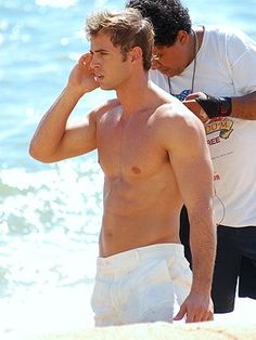 "Christian getting a call from Taylor: ""Anna did WHAT on the beach?""...lol #FiftyShades @50ShadesSource www.facebook.com/FiftyShadesSource"
