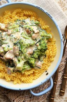 Baby Food Recipes, Cake Recipes, Good Food, Yummy Food, Romanian Food, Pasta Salad, Carne, Broccoli, Macaroni And Cheese