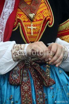 costume,traditionnel,breton,quimper,finistère,bigouden