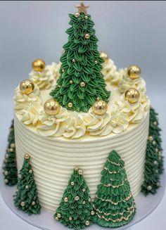 Christmas Cake Designs, Christmas Tree Cake, Last Christmas, Merry Christmas Everyone, Christmas Sweets, Merry Little Christmas, Christmas Ornaments, Christmas Ideas, Xmas