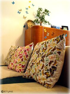 Fast butterfly cushion - for the back part you can use old (already hemmed) curtains