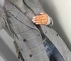 Menswear for women! Grey Fashion, Daily Fashion, Trendy Outfits, Fashion Outfits, Smart Casual Outfit, Sneakers Looks, Corporate Attire, Instagram Outfits, Autumn Winter Fashion
