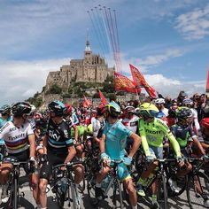 The riders enjoyed a show before the start of TDF2016