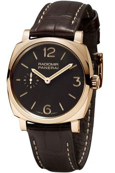 Panerai Radiomir 1940 Oro Rosso. Includes hand-wound mechanical, Panerai P.3000 calibre, executed entirely by Panerai, 161⁄2 lignes, 5.3mm thick, 21 jewels, Glucydur® balance, 21,600 alternations/hour. Incabloc® anti-shock device. Power reserve 3 days, two barrels. Made of 162 components.