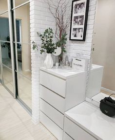 Apartment Interior, Home Interior, Modern Interior Design, Tiny Bedroom Design, Simply Home, Happy House, Hallway Decorating, Home Decor Kitchen, Room Decor Bedroom