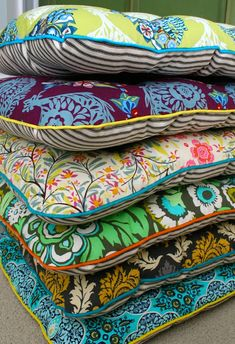 tutorial on making chair cushions--great instructions