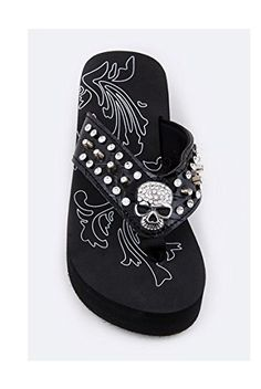 Western Skull Inspired Rhinestones Flip Flop - My Sugar Skulls Pretty Shoes, Cute Shoes, Me Too Shoes, Flip Flop Sandals, Flip Flops, Skull Shoes, Estilo Rock, Skull Fashion, Dark Fashion