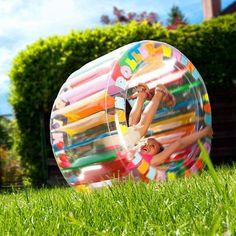 Ob auf der Wiese oder am Strand: Das aufblasbare bunte Kinder Zorbing Rad wird für abwechslungsreichen Spaß bei den Kleinen sorgen.