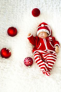 Since we are supposed to deliver around Christmas this would be a cute going home outfit :)