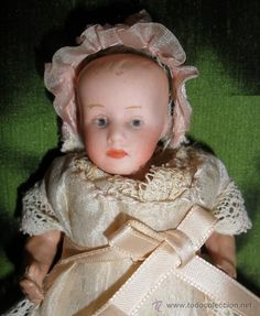 Excepcional muñeco miniatura de Cuno y Otto Dressel ideal para mignonette o casa de muñecas