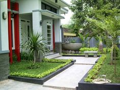 Small home garden design ideas amazing simple landscaping ideas for front of small house garden design . small home garden design ideas Home Garden Design, Easy Landscaping, Front Garden Design, House Front, Front Yard Landscaping, Small Garden Design, Modern Garden Design