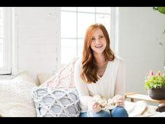 Tricô sem agulha: Americana faz sucesso usando os braços para tricotar - Constance Zahn | Casa & Decor