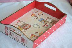 handmade decoupaged tray In bright red por lovelyhandmadebyYuli, $30.00