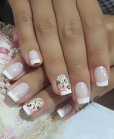 Nail art Christmas - the festive spirit on the nails. Over 70 creative ideas and tutorials - My Nails French Nails, Gorgeous Nails, Pretty Nails, Toe Nails, Pink Nails, Nail Nail, Fall Nail Art Designs, Elegant Nails, Bridal Nails