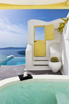 Dream Luxury Suites in Santorini, Greece  #swimming_holes_pools