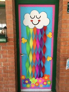 Thinking about Spring Classroom decorations or Easter decorations for Classroom? Take quick clues from this Easter and Spring Classroom Door Decorations. Decoration Creche, Board Decoration, Class Decoration Ideas, Door Decoration For Preschool, Diy Classroom Decorations, School Decorations, Decorating Ideas For Classroom, Summer Door Decorations, Classroom Displays