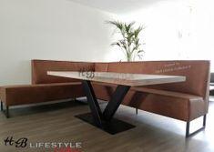 Luxe-eetkamerbank-op-maat-model-mondiaal-hoekbank-industrieel-met-banen-in-rug Metal Table Legs, Kitchen Seating, Dining Bench, Lifestyle, Furniture, Model, Collection, Home Decor, Benches