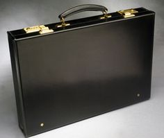 Top 250 Best High-End Brands & Makers of Luxury Attaché Cases & Briefcases Briefcase For Men, Leather Briefcase, High End Brands, Living Room Sofa Design, Box Bag, Classic Man, Wide Awake, Cleaning, Mens Fashion