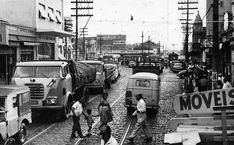 Congestionamento em Pinheiros, proximo ao Largo da Batata / acervo Folha 26/04/1962